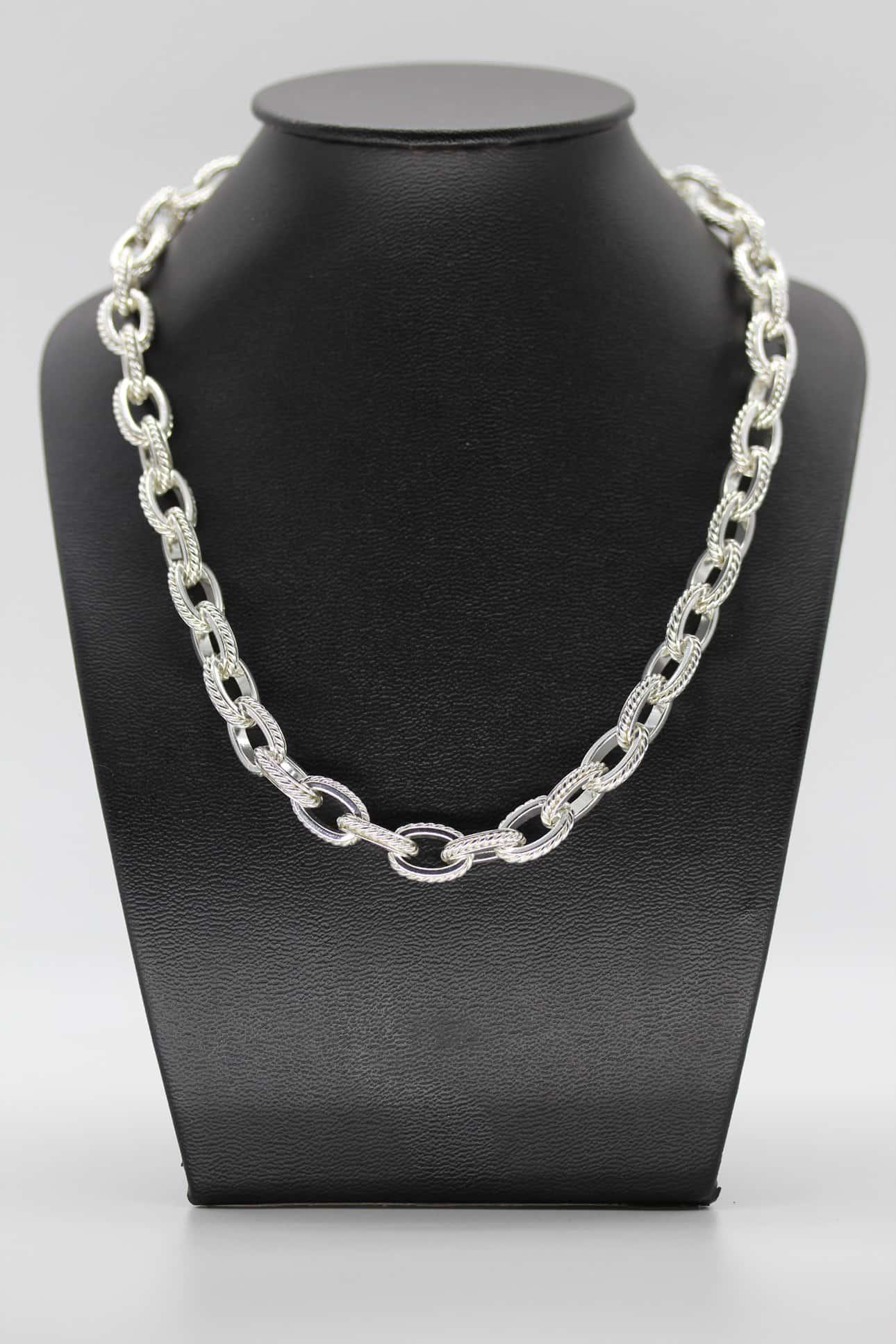 Gros collier métal argenté