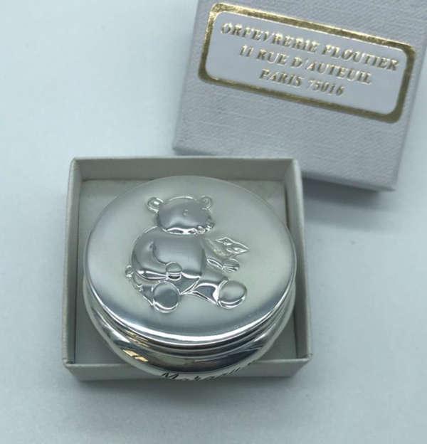 Boîte à dents décorée d'un ourson / Boîte en argent massif
