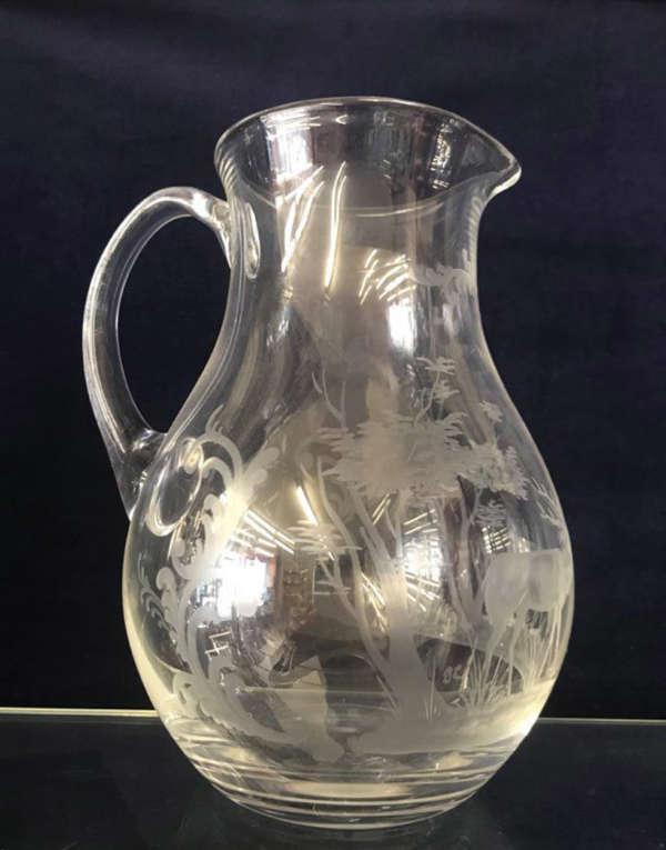 cruche à eau en cristal décor chasse