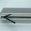 boite en métal argenté personnalisable par une gravure